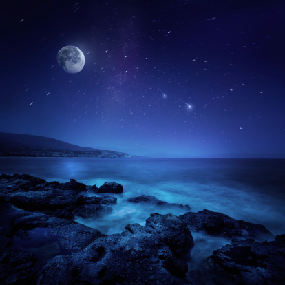 Moon「Night shot of sea」:スマホ壁紙(18)