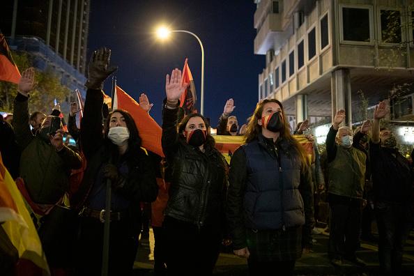 Pablo Blazquez Dominguez「Spanish Far Right Supporters Gather To Remember Falange Movement Founder」:写真・画像(1)[壁紙.com]