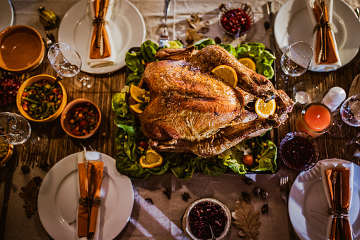 Stuffed Turkey「Above view of place setting on Thanksgiving day.」:スマホ壁紙(6)