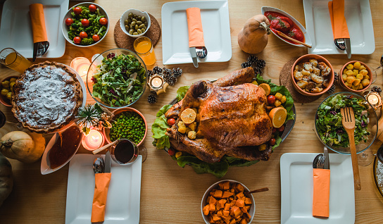 Stuffed Turkey「Above view of place setting on Thanksgiving day.」:スマホ壁紙(13)