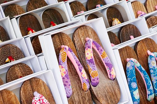 Flip-Flop「Japanese shoes on sale, Asakusa, Tokyo, Japan」:スマホ壁紙(8)