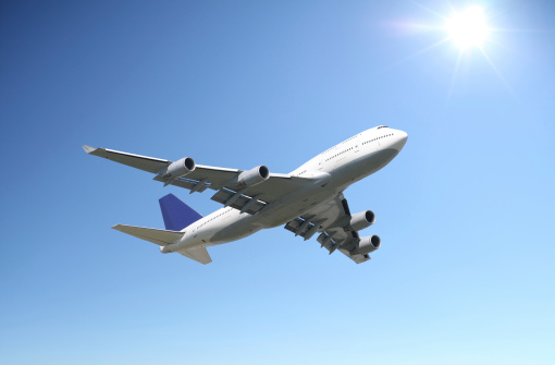 Commercial Airplane「Airliner in clear sunny sky」:スマホ壁紙(6)