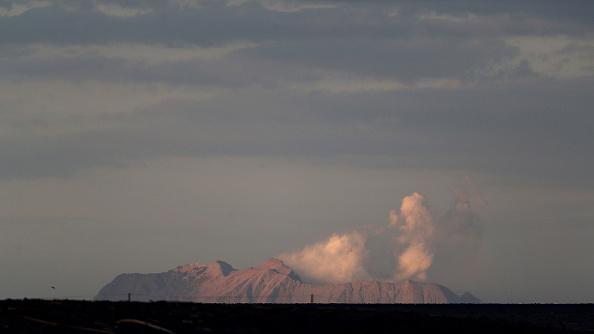Volcano「Several Feared Dead As Volcano Erupts In Bay Of Plenty」:写真・画像(19)[壁紙.com]