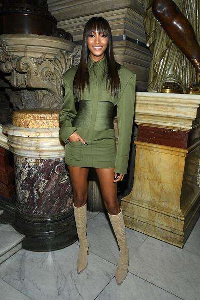 Spring Collection「Balmain : Front Row -  Paris Fashion Week - Womenswear Spring Summer 2020」:写真・画像(7)[壁紙.com]