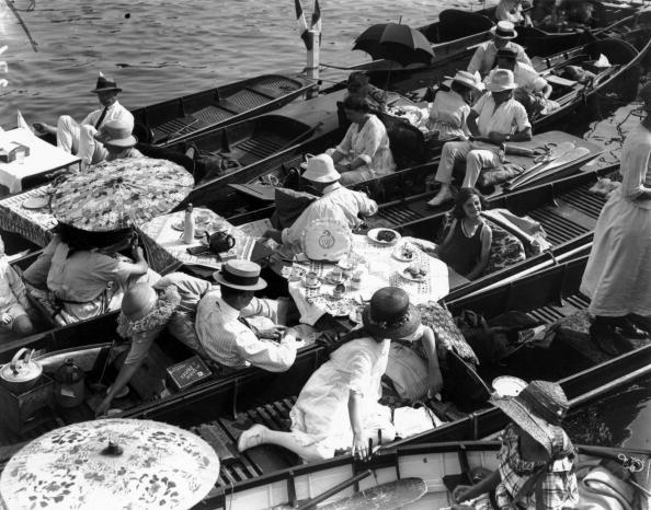 Kingston-upon-thames「Floating Picnics」:写真・画像(11)[壁紙.com]