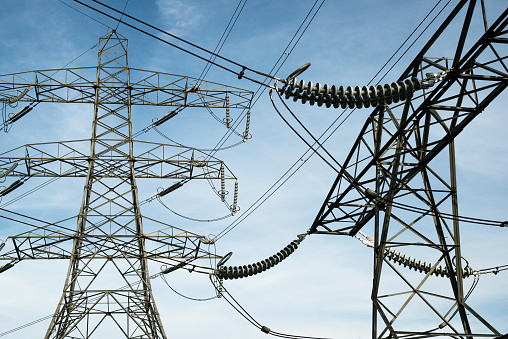 Cable「Pylons and power lines near to major electricity substation」:スマホ壁紙(1)