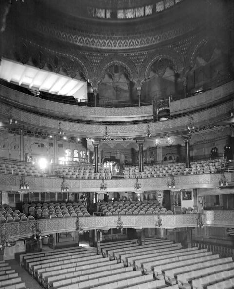 Movie Theater「Alhambra Interior」:写真・画像(19)[壁紙.com]