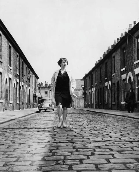 Cobblestone「Rita Tushingham」:写真・画像(8)[壁紙.com]