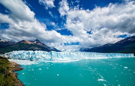 Argentina「Famous Perito Moreno Glacier in Patagonia, Argentina」:スマホ壁紙(11)