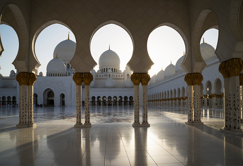 United Arab Emirates「Ornate tiled arches of The Grand Mosque」:スマホ壁紙(18)
