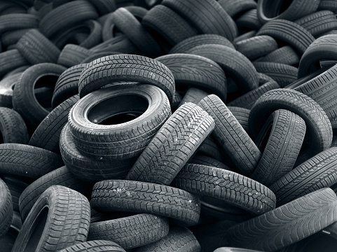 Heap「Old black car tire rubber」:スマホ壁紙(8)