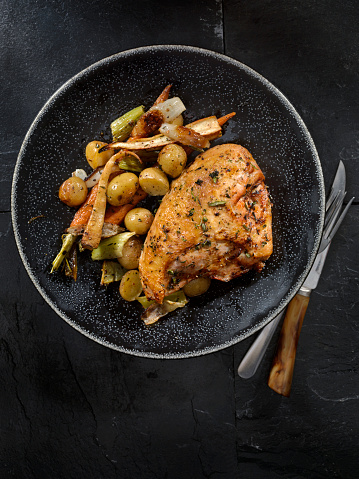 Chicken Meat「Grilled Bone in Chicken Breasts With Vegetables」:スマホ壁紙(0)