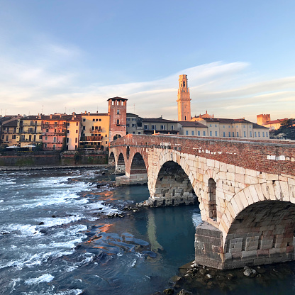 Square - Composition「Verona. Stone Bridge.」:スマホ壁紙(6)