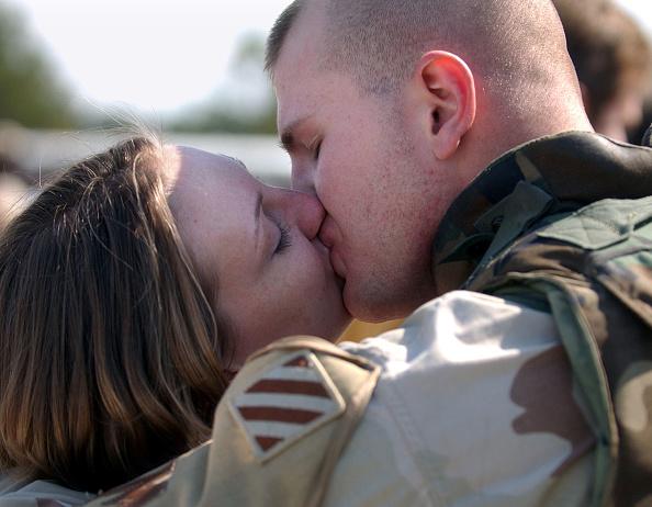Fort Stewart「250 Soldiers Return From Iraq To Fort Stewart」:写真・画像(7)[壁紙.com]