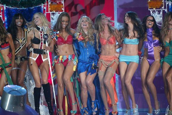 Victoria's Secret「The Victoria's Secret Fashion Show - Runway」:写真・画像(3)[壁紙.com]