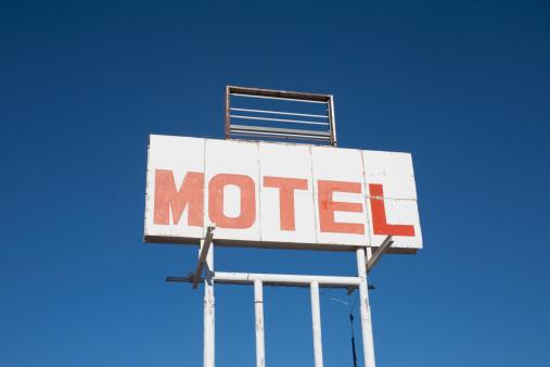 Motel Sign「USA, Arizona, Holbrook, Motel sign against blue sky」:スマホ壁紙(18)