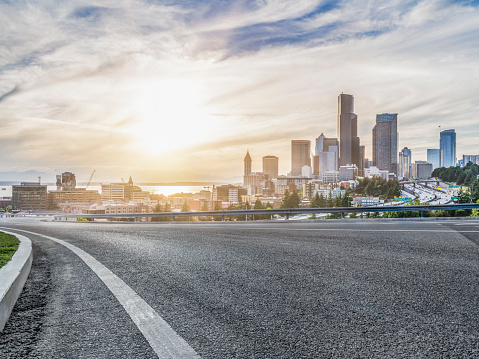 City Life「empty urban road travel through modern skyscrapers of Seattle」:スマホ壁紙(1)