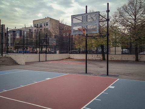 New York State「Empty urban basketball court」:スマホ壁紙(19)