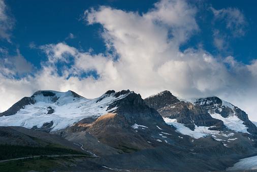 アサバスカ山「Mount Athabasca」:スマホ壁紙(11)