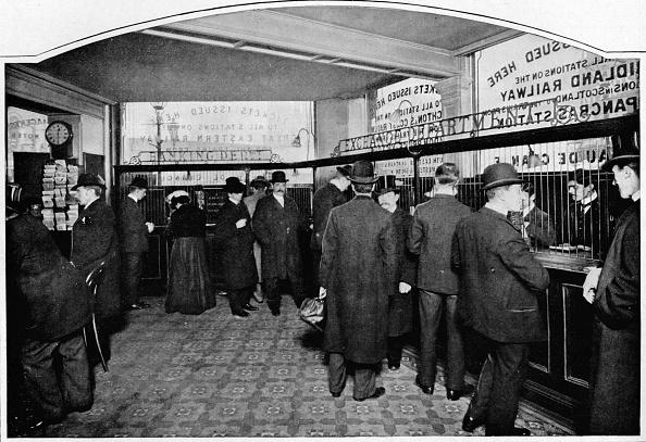 1900-1909「Money Exchange Department, Thmas Cook & Son, Ludgate Circus, City of London, c1903 (1903)」:写真・画像(2)[壁紙.com]