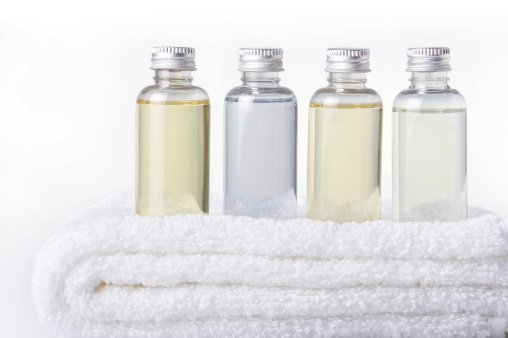 Bottle「bath bottles on towel」:スマホ壁紙(8)