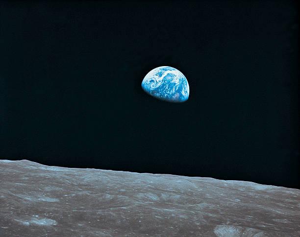 Earth and lunar landscape:スマホ壁紙(壁紙.com)