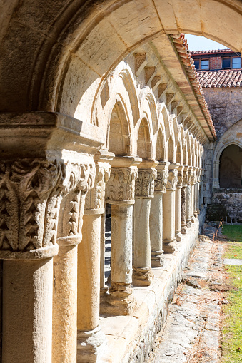 University Student「13th century Collegiate Church of Santillana and a benedictine abbey, Santillana del Mar, Spain, 2018」:スマホ壁紙(7)
