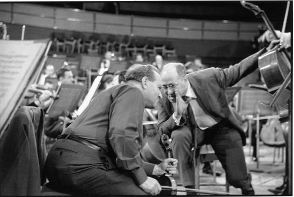 Erich Auerbach「Musicians Talking」:写真・画像(13)[壁紙.com]