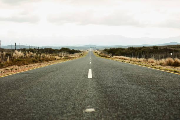 The open road:スマホ壁紙(壁紙.com)