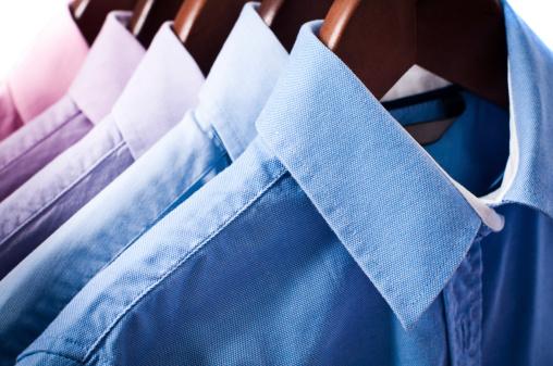 Shirt「Blue and pink elegant button down shirts hanging on hangers」:スマホ壁紙(11)