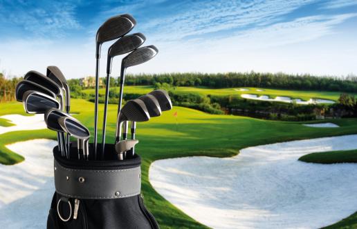 Golf Ball「Golf Club And Bag With Fairway Background - XXLarge」:スマホ壁紙(14)