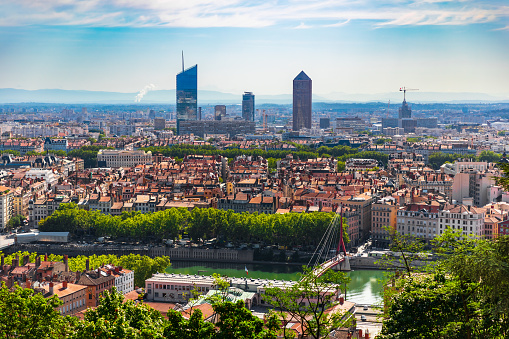 Auvergne-Rhône-Alpes「High angle view on french Lyon cityscape in summer with the Part-Dieu business district skyscrapers」:スマホ壁紙(10)