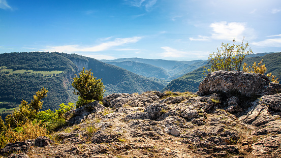 Auvergne-Rhône-Alpes「High angle natural point of view on awesome landscape of Bugey mountains in Ain valley by sunny summer day」:スマホ壁紙(13)