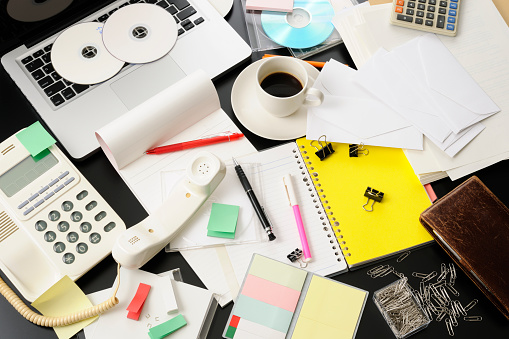 Chaos「High angle view of desktop in a mess intensely」:スマホ壁紙(13)