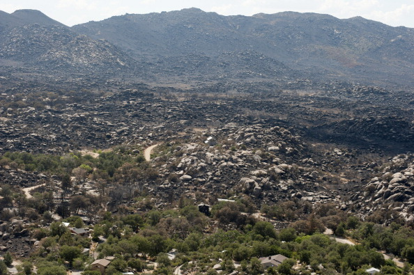 Burnt「Procession To Prescott Held For 19 Fallen Firefighters」:写真・画像(16)[壁紙.com]