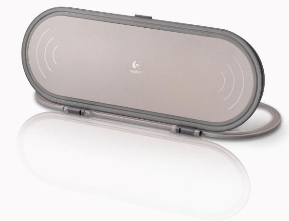 White Background「Logitech Expands Portfolio of Speakers for Mobile Music」:写真・画像(1)[壁紙.com]