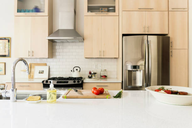 Food and cooking implements on kitchen counter:スマホ壁紙(壁紙.com)