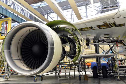 Jet Engine「Jet engine of an unfinished airplane in a hangar」:スマホ壁紙(10)