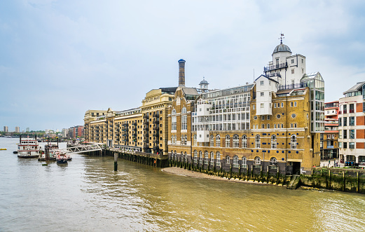 London Bridge - England「Butler's Wharf at River Thames」:スマホ壁紙(19)