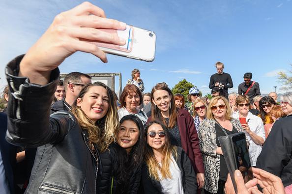 Photography Themes「Prime Minister Jacinda Ardern Campaigns In Lyttelton」:写真・画像(12)[壁紙.com]