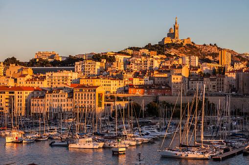 Cathedral「France, Provence-Alpes-Cote dAzur, Marseille, Notre-Dame de la Garde above Vieux port - Old Port」:スマホ壁紙(19)