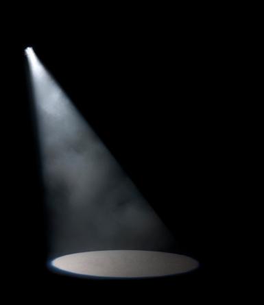 Black Background「Spotlight in studio」:スマホ壁紙(14)