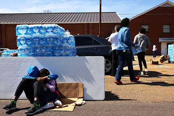 Water「Jackson, Mississippi Struggles With Lack Of Water 3 Weeks After Winter Storms」:写真・画像(8)[壁紙.com]
