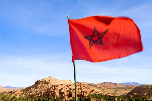 アトラス山脈「Moroccan Flag at Ait Benhaddou Casbah」:スマホ壁紙(11)