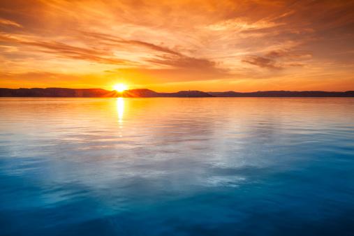Sea「Sunset over water」:スマホ壁紙(10)