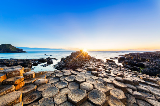 Northern Ireland「Sunset over Giants Causeway, Northern Ireland」:スマホ壁紙(3)
