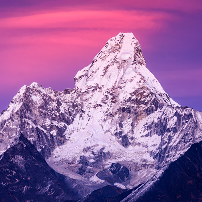 Mountain View - Arkansas「Sunset over beautiful Mount Ama Dablam in Himalayas, Nepal」:スマホ壁紙(8)