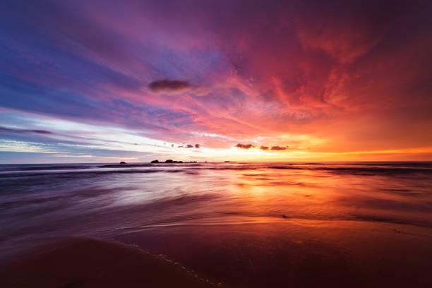 Sunset over Indian ocean:スマホ壁紙(壁紙.com)