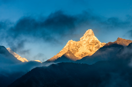 Mountain View - Arkansas「Sunset over Mount Ama Dablam, Himalayas, Nepal」:スマホ壁紙(17)