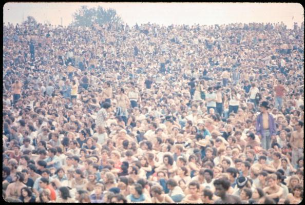 1969「Woodstock Crowd」:写真・画像(18)[壁紙.com]